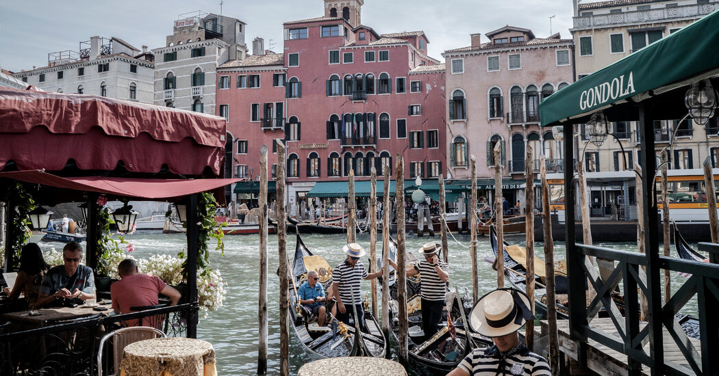 In Venice, High-Tech Tracking of Tourists Stirs Alarm